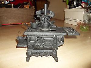 Lampe antique en fonte a vendre