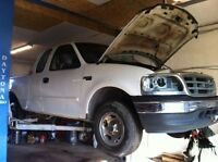 PARTING OUT 2000 FORD F150!
