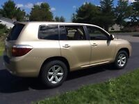 2008 Toyota Highlander - LOW MILEAGE!