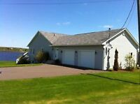 Gorgeous Bungalow on the Head Pond!