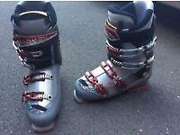 Men's ski boots size 9