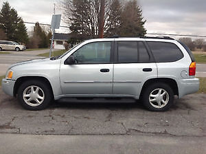 GMC Envoy-SAFTIED* PROFESIONAL DETAIL INCLUDE WITH PURCHASE*