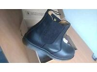 Dr martens industrial boot size 8 never been worn!