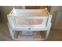 Snuzpod white bedside crib, *PLUS ACCESSORIES* snuz pod