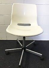 Wanted : looking for a white swivel or sled chair