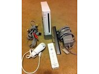 NINTENDO WII WITH 8 GAMES