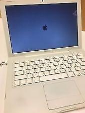Apple Mac book 2006 white