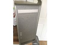 Job lots 4 Apple Mac G5 computer tower complete , untested, used computer. Casing in tact with no