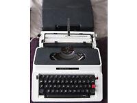 Silver Reed 500 Typwriter.