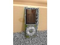 Apple iPod Nano 16GB - Green - 4th Generation + Charger + Earphones