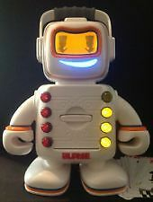 PLAYSKOOL ALPHIE THE LEARNING TALKING ELECTRONIC ROBOT only 9$..