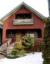 2 Bedroom Furnished Suite in Kitsilano Heritage Home #505