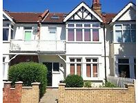 Rooms Available in 4 bed house w13 Area
