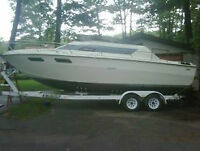 25 Foot Sea Ray Call 7055077524 with ddl axel trailer