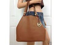 MICHAEL KORS bucket soft leather handbag in excellent condition