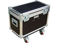 "25"" x 15"" flight case/ road trunk similar to one in the picture but with handle on top"