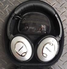 Very lightly used Bose QC 15 active noise cancelling headphones