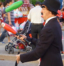 Used CLOWN 4 rent- Juggles still Funny throws up a lot 1-8 hours Kitchener / Waterloo Kitchener Area image 4