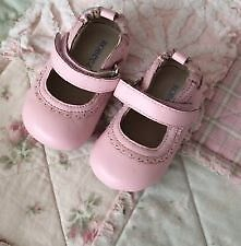 Looking for girl Robeez type soft shoe - 6-12 months