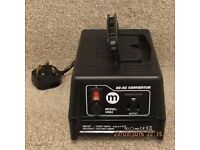 Maplin Model VR05 Portable Transformer, Input 230 Volt 50Hz. Output 110 Volt 2.5 Amp