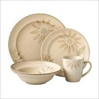 Looking for misc pieces of Cuisinart Sunflower dishes