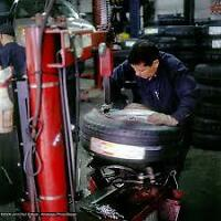 EXPERIENCED TIRE TECHNICIANS