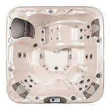 LA Z BOY SPAS TRUE SALT WATER HOT TUBS. Peterborough Peterborough Area image 2