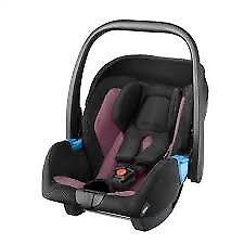 Recaro Privia Baby Car Seat and Isofix base