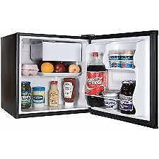 ANOTHER PRICE DROP!!-- 2.7 CU FOOT COMPACT FRIDGE!--WOW WHAT A DEAL!!!