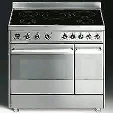 Smeg 90cm induction range cooker hardly used