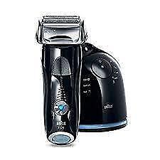 Braun series 7 Wet and dry  smart shaver with 8-D flex Head   brand new.