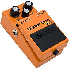 BOSS DISTORTION DS-1 MADE IN TAIWAN