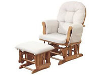 2 Nursing chairs with 2 stools