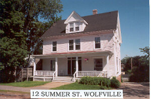Acadia Students - 4 bedroom at 12 Summer St., Wolfville, N.S.