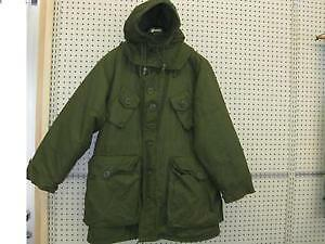 Parka militaire canadien neuf