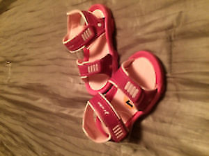 NEW! Little Girl 'Ryder' Sandals. Size 7