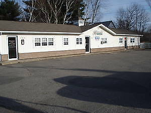 COMMERCIAL RENT 139 RIVERSIDE DRIVE LOTS OF HIGHWAY TRAFFIC