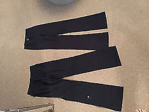 One pair of Lululemon groove pants size 6 tall