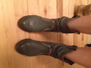 Warm leather boots