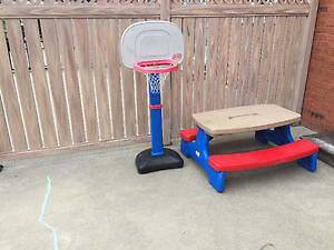 basket ball Little Tikes net with Picnic table