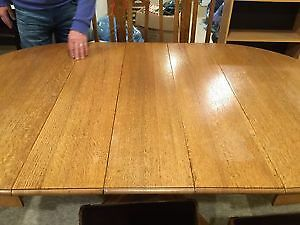 Antique Solid Oak Oval Dining Room Table with 6 Matching Chairs