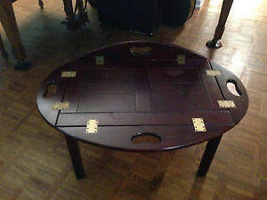 Chippendale Butler's Coffee Table (Removable Serving Tray)
