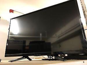 """Fluid 32"""" LED TV Excellent condition."""