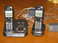 Cordless phone w/ answer and 2 handsets