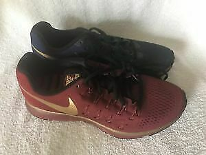 !!!!!!!!!!*NIKE PEGASUS SIZE 8 ONLY 50 BUCKS!!!!!!!!!!!!!!