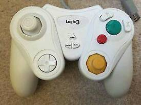 Gamecube and a Nintendo wii controller works for both consoles
