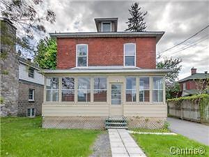 BEAUTIFUL DETACHED HOUSE NEAR COLLAGE MCGILL UNIVERITY