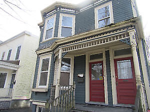 EVERYTHING INCLUDED UPPER 3/4 BEDROOM FLAT HALIFAX ROBIE ST