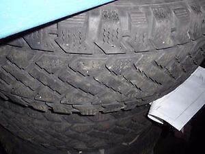 2 pneus d'hiver, 215/65/15 Pacemark Snowtrakker