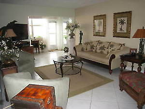 Condo  1/1bord de l'eau Location Avril 2018, Hallandale, Fl